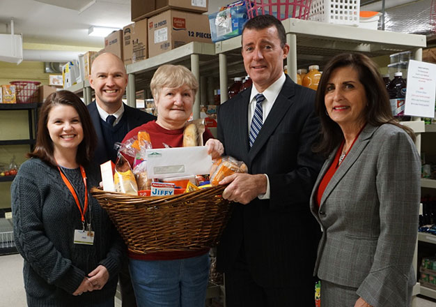 Bank of Canton board members and Canton Food Pantry staff